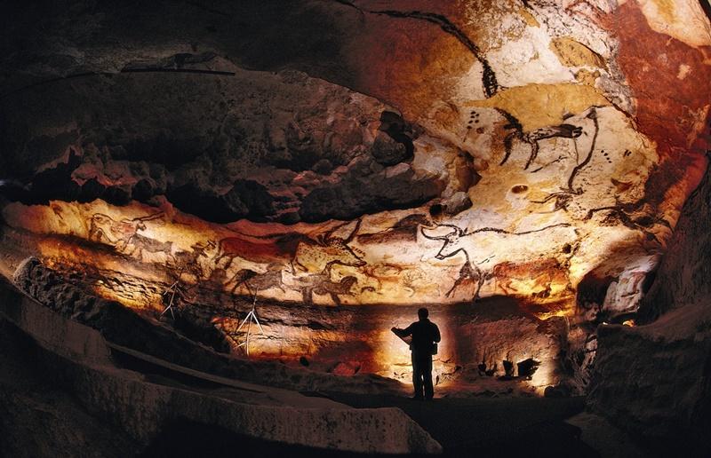 cuevas de lascaux dia internacional del diseño grafico impremta novagrafic cambrils
